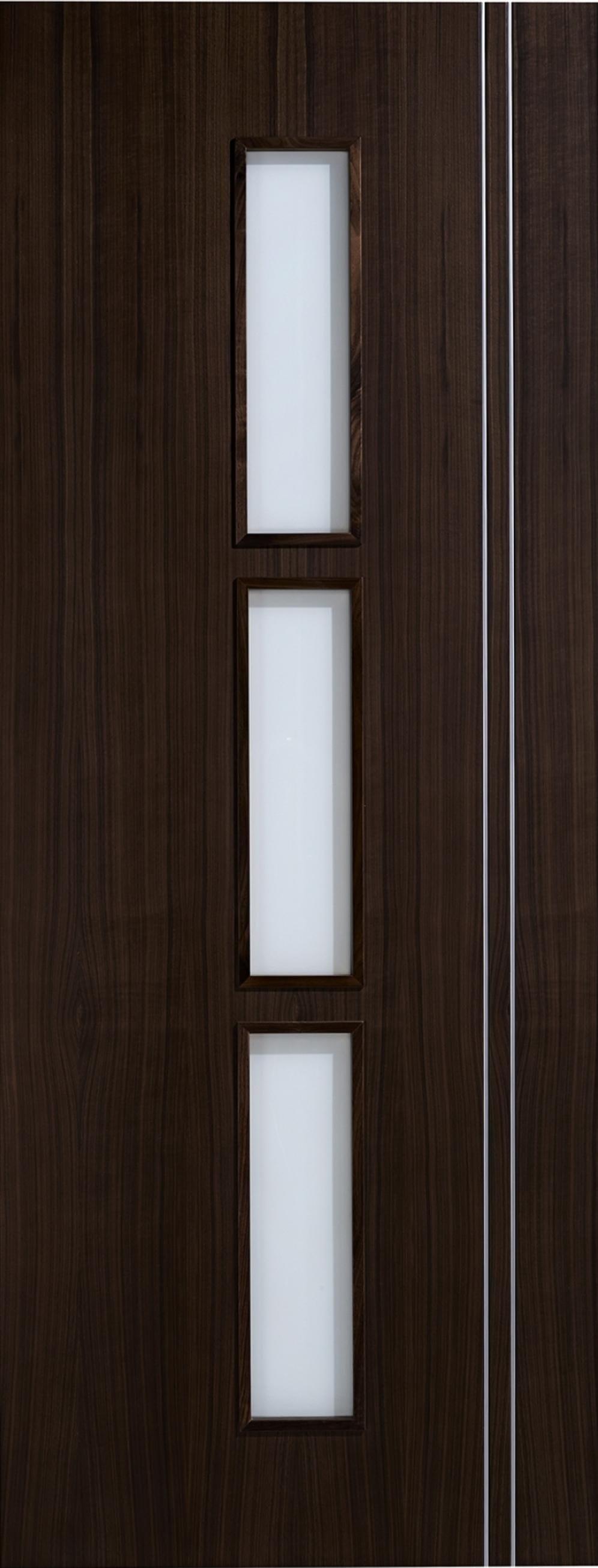 Sierra Walnut Glazed Door Image