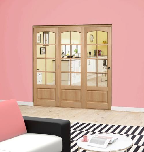 Worthing Oak Roomfold Deluxe (3 x 686mm doors)