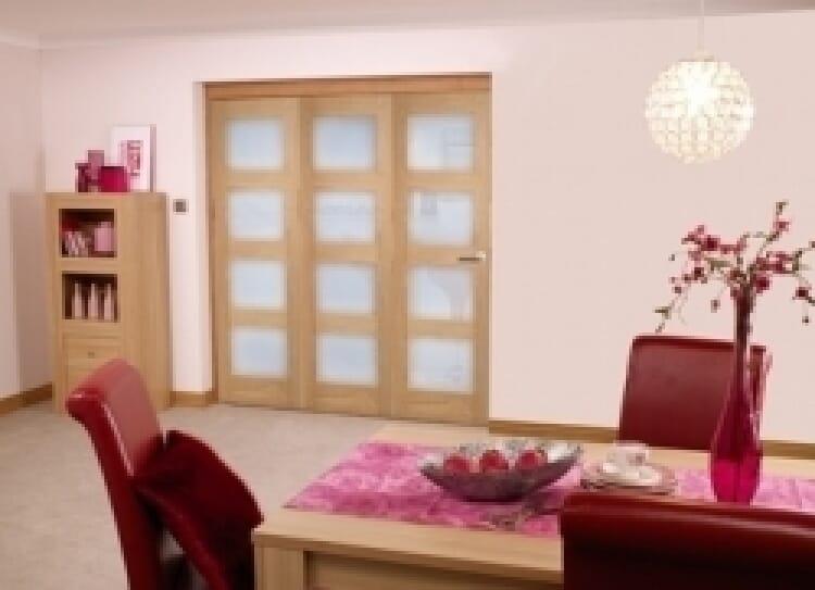 Oak Prefinished 4l Interior Bifold Door (1800mm - 6ft) Frosted Image