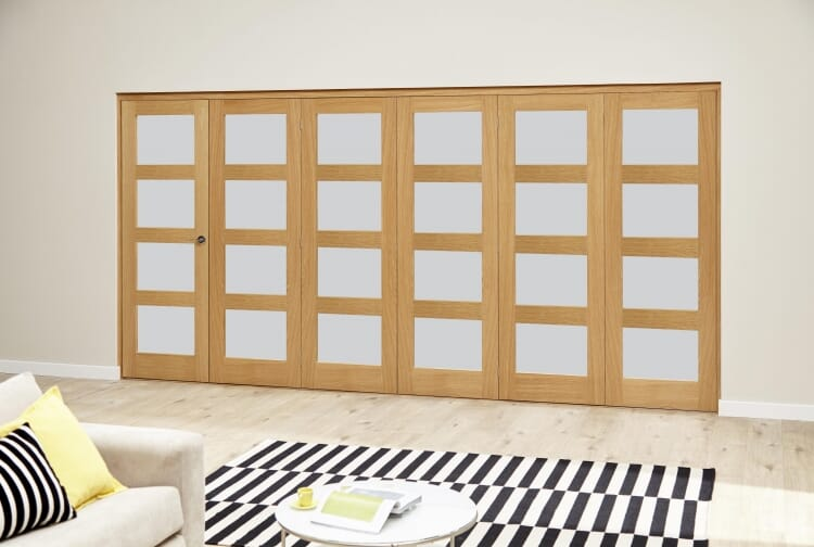 Oak 4l Shaker Glazed Roomfold Deluxe (5 + 1 X 610mm Doors) Image